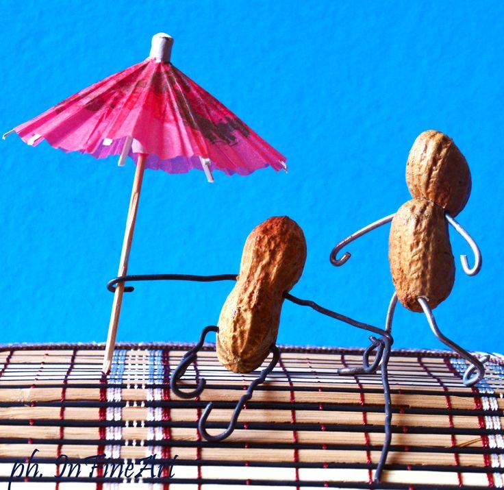 Arriva l'estate! Mr e Mrs InfiNuts si godono la giornata di sole in piscina!