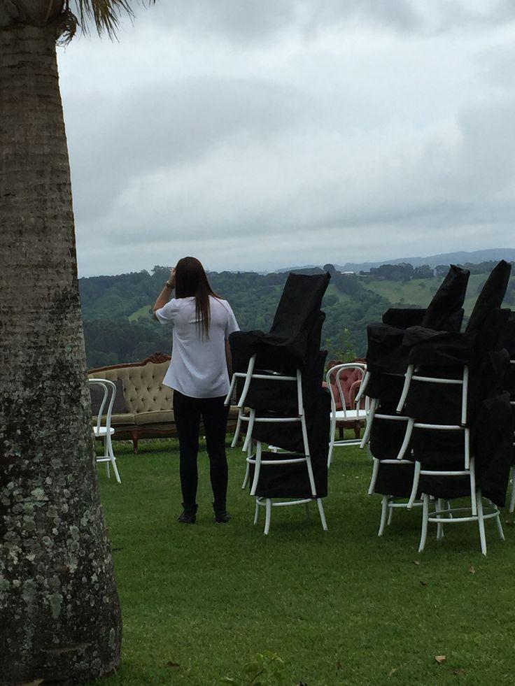 #weddingplanner #rain #rainywedding #novemberrain #planB #savetheday #marriedsittingdown #loveseat #plushvelvet #letsdoit #wedding #greenwedding #olivewedding #pink #rosemary #olive #realwedding #byron #byronwedding #verandahs #creativeweddings