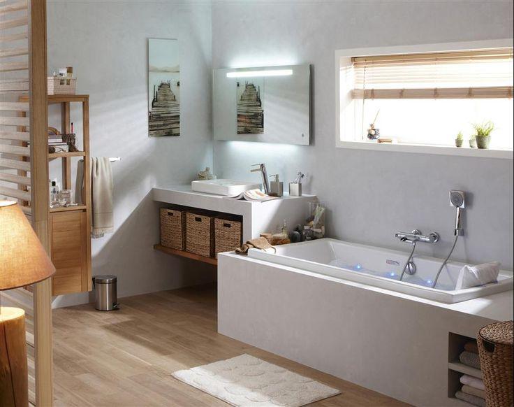 Salle de bain bois et blanche