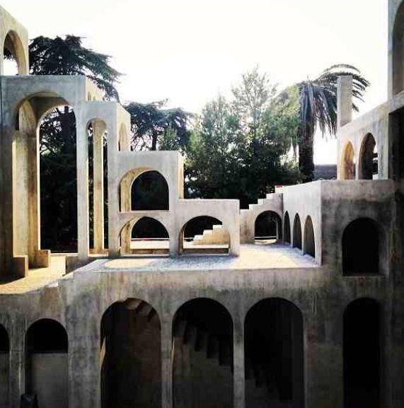 Spanish artist Xavier Corberó spent about forty years designing and building his own house, an intricate maze at the outskirts of Barcelona in the town of Esplugues de Llobregat. Back in 1959, when his journey began, the still unknown artist squatted one of the abandoned buildings in town...