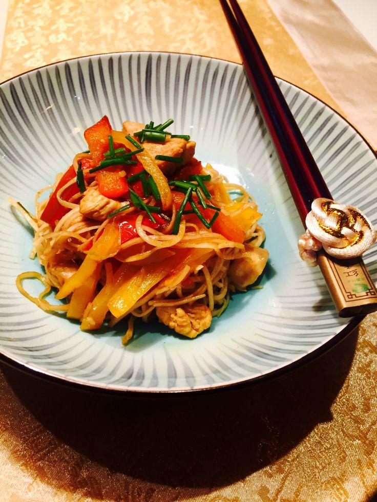 » Spaghetti di soia con verdure saltate in salsa di soia – Vegetarian soy noodles