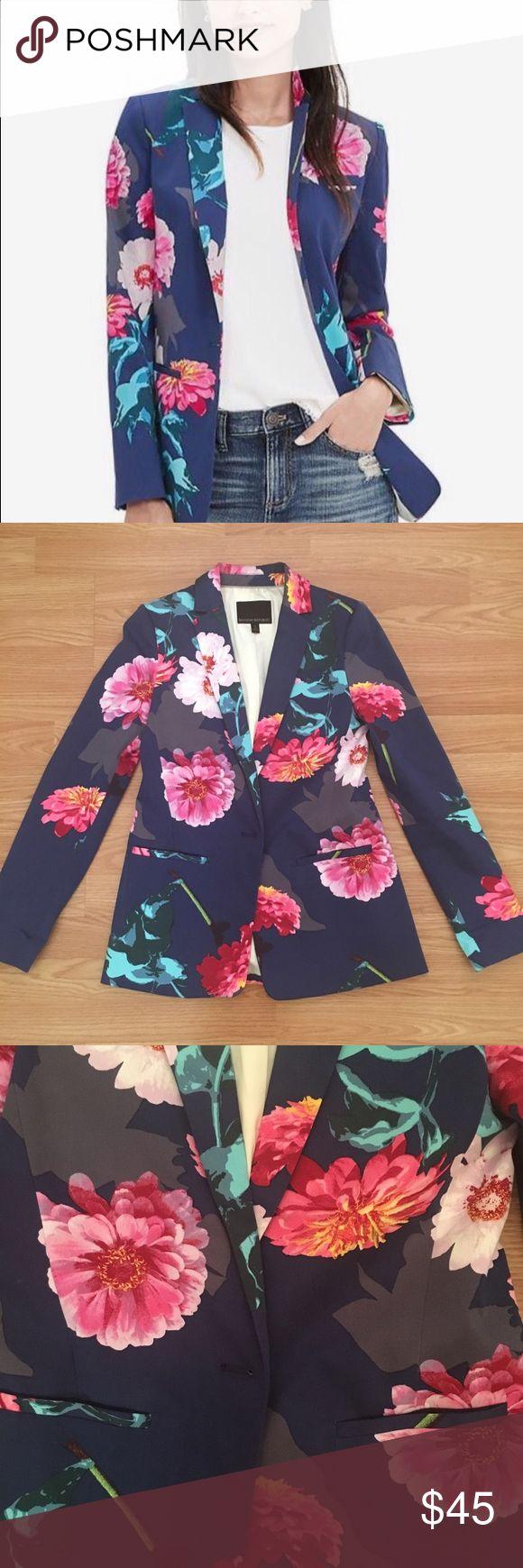 Banana Republic floral blazer Super cute Banana Republic floral blazer. Great condition!  Check out matching pants in my closet. Banana Republic Jackets & Coats Blazers