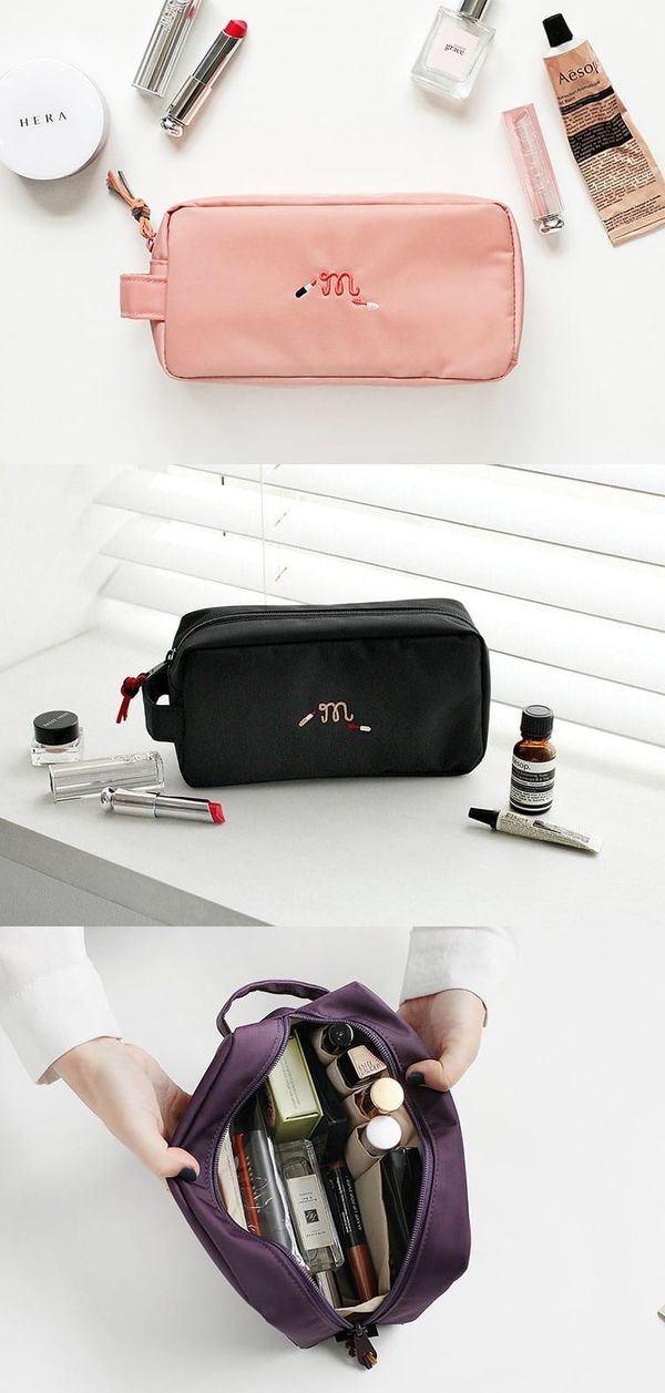 The Simple Makeup Organizer makes organizing your cosmetic items simple and easy! Its spacious compartment and pockets in different sizes organize and holds your various cosmetics neatly. The extended zipper and the attached handle on the side will also help you use the organizer more conveniently.