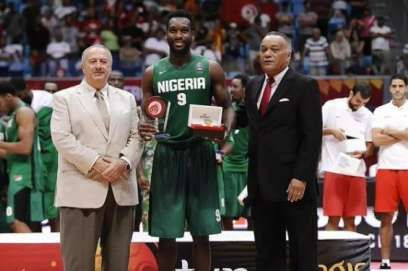 Nigeria's international Basketball player Chamberlain Oguchi has moved to Mexico, ending his contract which started in Poland in the year 2015.  The 30-year-old who had a stint with Polish side Anwil Włocławek, is set to face a new challenge with 2015 Mexican champions Soles de Mexicali, and he plans to help them win another trophy. The Houston-born basketball player started his career in basketball with the Illinois State Redbirds in 2007, before moving to France where he played for STB Le…