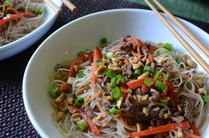 This recipe works well with thin rice noodles too (alsocalled rice vermicelli or rice sticks).
