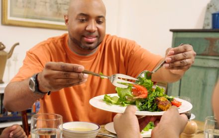 A vegetarian diet causes weight loss—even in the absence of exercise or calorie counting—finds a new Physicians Committee study published the Journal of the Academy of Nutrition and Dietetics.