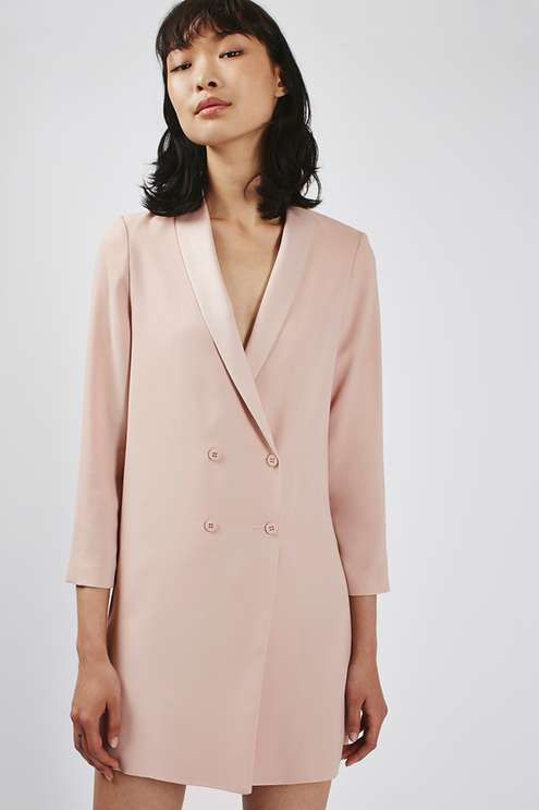 Crafted with tailored lines this soft jacket gets the balance between smart-casual just right. Cut in a relaxed fit with up-turned cuffs and a shawled collar, throw it on with denim and a classic crop for effortless chic. #Topshop