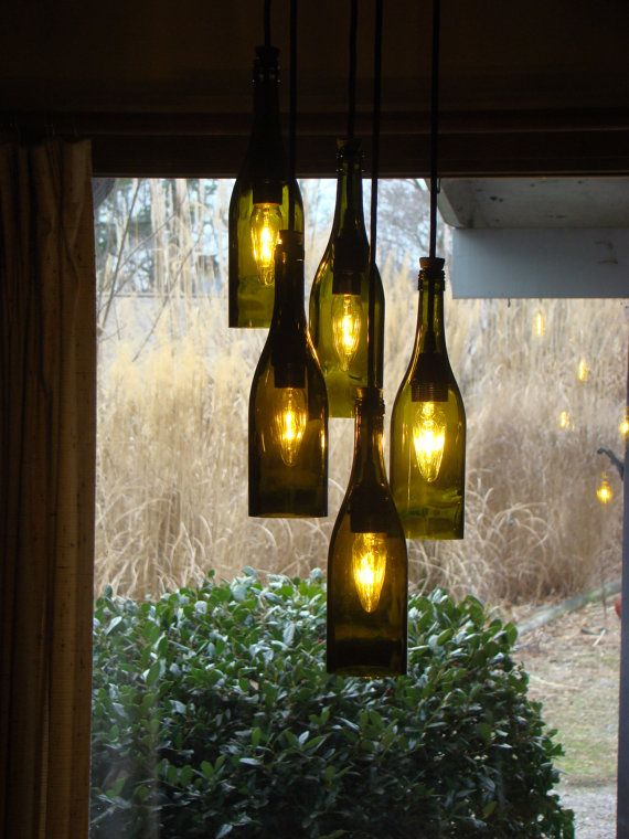Wine Bottle Chandelier por glow828 en Etsy