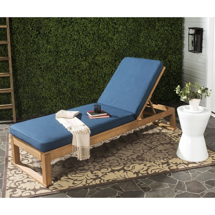 Safavieh Solano Outdoor Teak Brown/ Navy Sunlounger (PAT7024C), Blue, Patio Furniture
