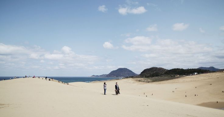 Leaving behind immense crowds in Tokyo, the writer and her family make a getaway to Tottori and its unlikely landscape on the west coast of Japan.