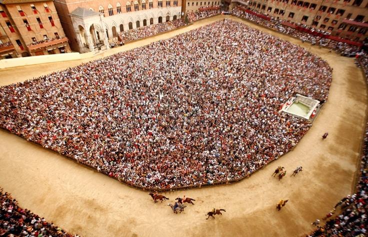 Siena. The palio.