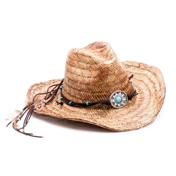Precioso sombrero de última moda #BohoChic con plumas, de rafia de primera calidad, a juego con los cinturones de piel y los anillos Boho.