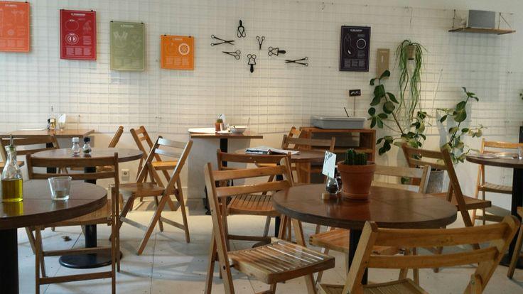 Dobre miejsce do jedzenia i posiedzenia.