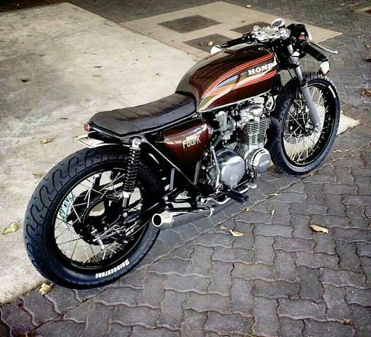 #caferacer_russia #rides #riders #races #racers #bikes #bikers #motos #motors #motorbikes #bikes #customs #custombuilt #custombikes…
