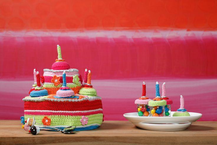 Kleurrijke taarten! Lees de werkbeschrijving in Aan de Haak 2,