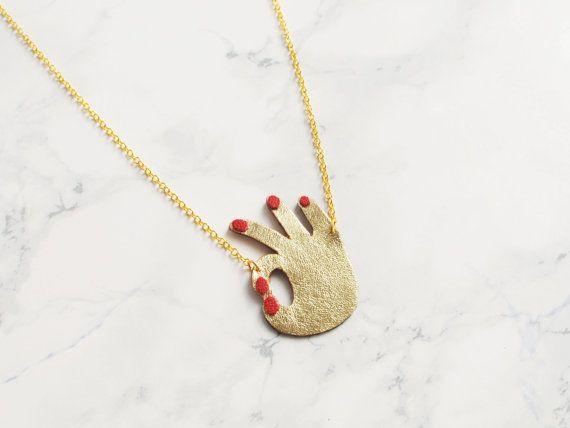 Handgemachte Gold und rot Leder 'OK' Emoji Hand von BenuMade
