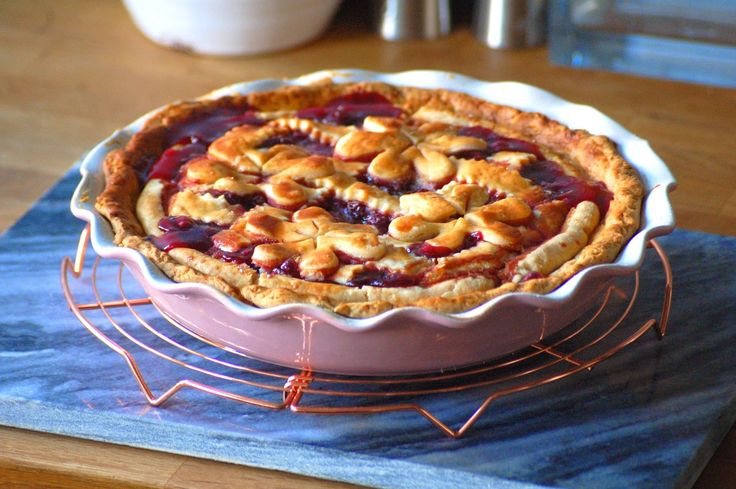 Homemade cherry pie by #HappyStepz. read our new post to get the recipe.  #happy #baking everyone. http://happystepz.blogspot.nl/2015/01/cherry-pie.html