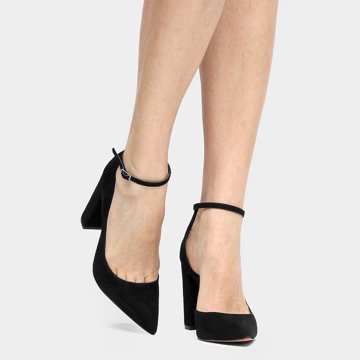 Compre Scarpin Santa Lolla Salto Grosso Pulseira Preto na Zattini a nova loja de moda online da Netshoes. Encontre Sapatos, Sandálias, Bolsas e Acessórios. Clique e Confira!