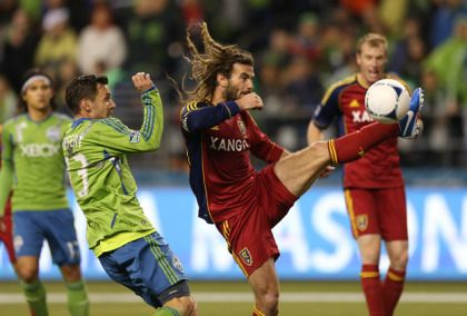 USA Soccer World Cup Profile: Midfielder Kyle Beckerman « CBS New York http://newyork.cbslocal.com/2014/06/17/usa-soccer-world-cup-profile-midfielder-kyle-beckerman/