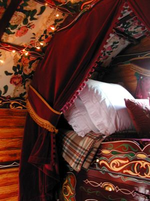 Google Image Result for http://arealholiday.files.wordpress.com/2011/03/romanycaravan_bed_detail.jpg