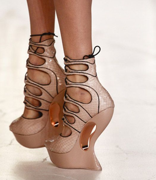 Ahhh can I have these McQueen shoes please: Alexander Mcqueen Shoes, Style, Alexandermcqueen, Mcqueen 2012, Pink Shoes, High Heels, Cowboys Boots, Spring 2012, Walks In