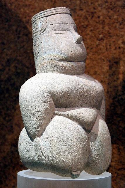 Cagliari. Museo Archeologico Nazionale. Estauteta de deessa mare. Cabras, Oristano, 4000-3400 aC.)