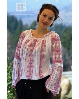 Spring mood .. Spring colors ... hand embroidered delicate Romanian peasant blouse - worldwide shipping!