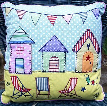 Beach Hut cushion - I'm sure I could make this