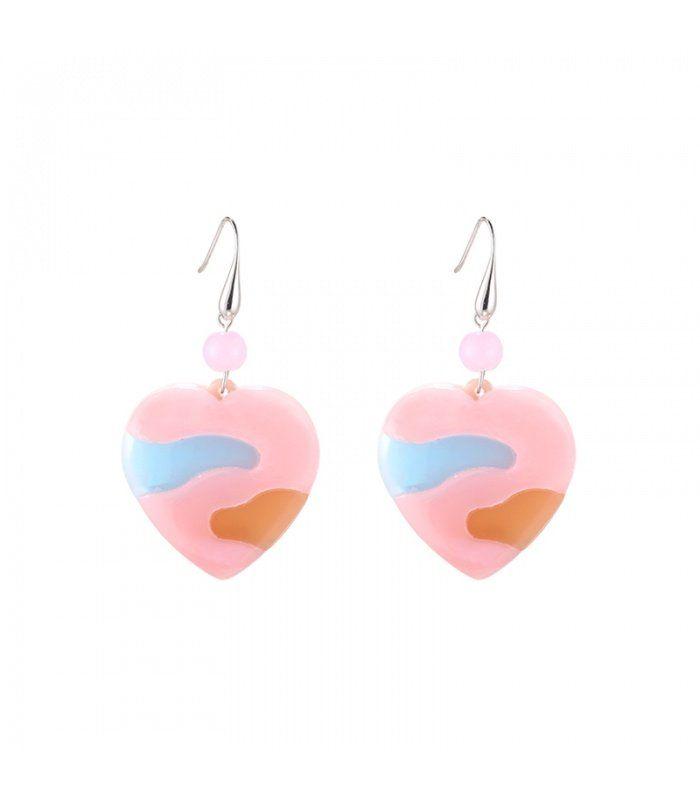 Roze oorbellen in de vorm van een hart| De lengte van de oorbellen zijn 6.50 cm | Yehwang fashion en sieraden