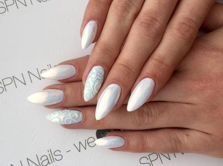 Czy efekt syrenki podbija serca również Waszych Klientek ?  Nails by Studio Nailspa, SPN Team Wrocław https://spn.pl/pl,a1492,pylek-efekt-syrenki.html