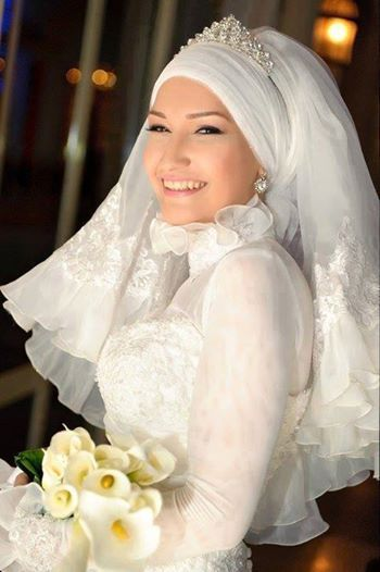 turban style with lace veil