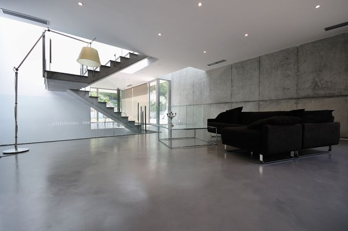 Microcemento | Topcret - 2mm layer of refined concrete floor finish