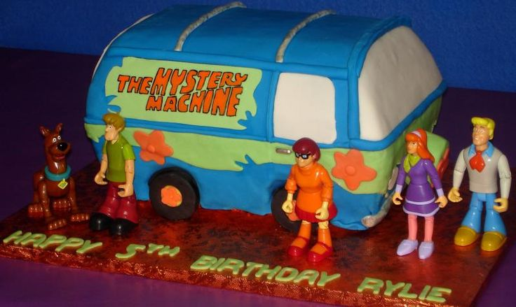 Scooby Doos Mystery Machine Birthday Cake for Gwen's bday. Boy, I have my work cut out for me!