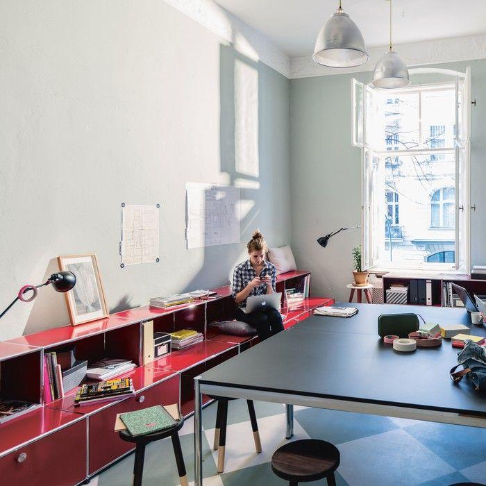 In Der Modernen Arbeitswelt Ist Flexibilität Elementar. Man Ist Nicht Mehr  An Einen Einzigen Schreibtisch