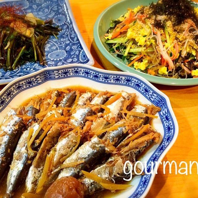母から たくさん鰯の梅生姜煮の差し入れ✨✨✨ 骨まで食べれて 美味し〜♪ だいぶんカルシウムとれたかな(笑)  くららちゃんの 春雨サラダは、ワカメ入れたら色が悪くなっちゃったー しかも 上から韓国海苔もふりかけたし でも 美味しくて、あっという間になくなっちゃうんよね〜  空芯菜は ニンニクと松の実で、中華炒め♪ - 118件のもぐもぐ - くららさんのあっとゆーま中華春雨サラダ⭐ 、鰯の梅生姜煮、空芯菜の炒め物  などの夜ごはん♪ by gourmand