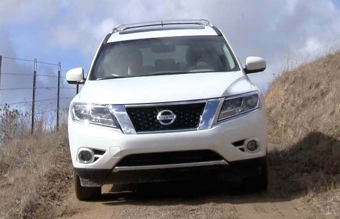 2018 Nissan Pathfinder overview