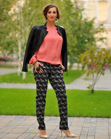 Confidence is the most valuable accessory   Colors of Love - Spellbound Pants  2016trends loveColorsofLove occasionware streetstyle fashionable style trendy creative loveit ‎personalstyling 0722522775PersonalStyling‬ designer madetomesure slowfashion slowliving office special occasion leisure streetstyle