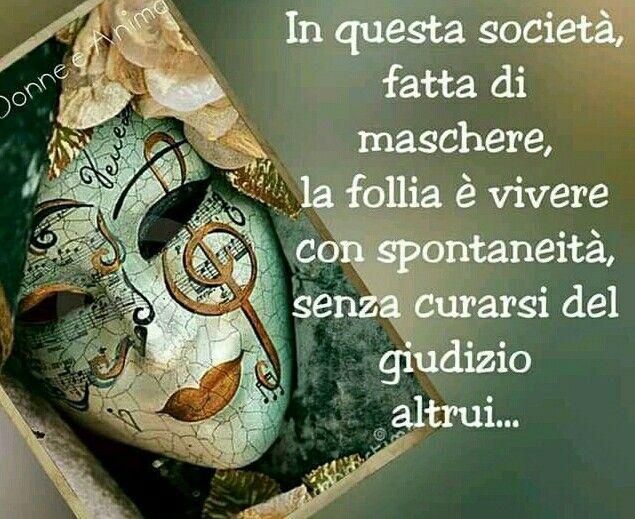 La gente falsa non parla, insinua; non conversa, spettegola; non elogia, adula; non desidera, brama; non chiede, esige; non sorride, mostra i denti. La gente falsa ignora la bellezza e la nobiltà d'animo perché non ama, e così finisce per non vivere, esiste appena !!! Gli ipocriti ... che gente squallida. #ipocrisia #gentesquallida #art #artist