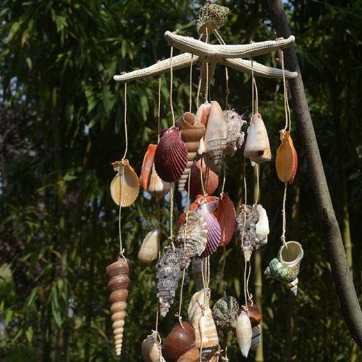carillon à vent avec des coquillages