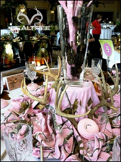 A beautiful Realtree Pink camo party theme table decoration.   #realtreepink #pinkcamo