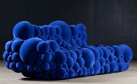 """A bútorok neve valójában """"mutáció-széria"""" – már csak kipróbálni is érdemes ezeket a hihetetlen, """"buborék"""" bútordarabokat, melyek leginkább egy emberi DNS-re emlékeztetnek."""