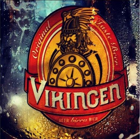 Bevendo #Birra #Vikingen. Grazie a @sortemario per lo scatto. #Drinking #Beer #sangeminianoitalia