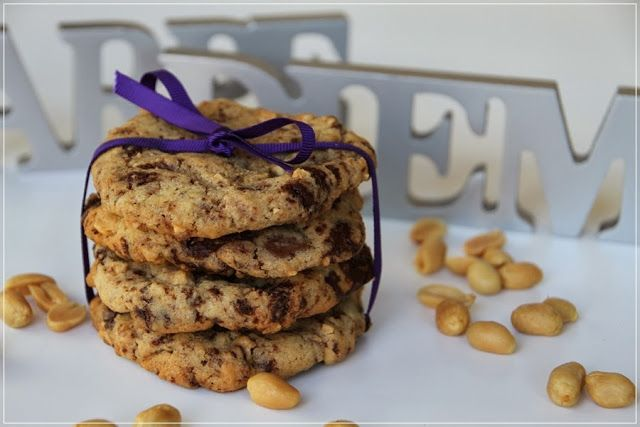 Chocolate-Peanut-Cookies...