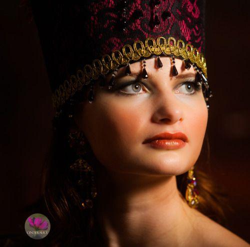 DIY Kokosöl Make up mit alva Green Eqinox Edition #conouring #highlighter #contouringandhighlighting #sculptingmakeup #contouringmakeup #vegan # PETA #crueltyfree #ölmühlesolling #fantasie #fantasy #dreams #makeuplooks #venice #karneval