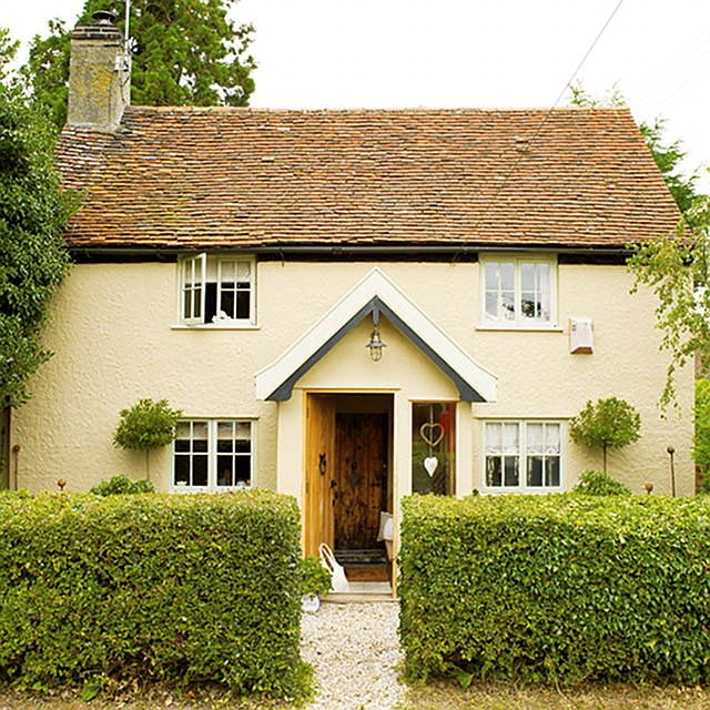 English Country Cottage in Suffolk, England built in 1780.