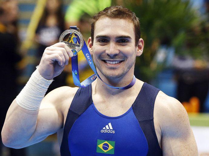 O ginasta Arthur Zanetti conquista a medalha de ouro nas argolas na etapa de São Paulo da Copa do Mundo de Ginástica Artística disputada no ginásio do Ibirapuera