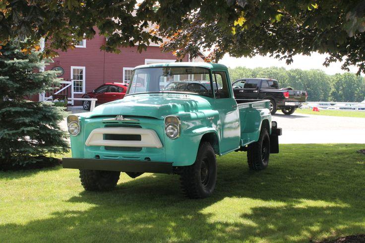 international trucks | Rare Four-Wheel Drive International Pickup Truck