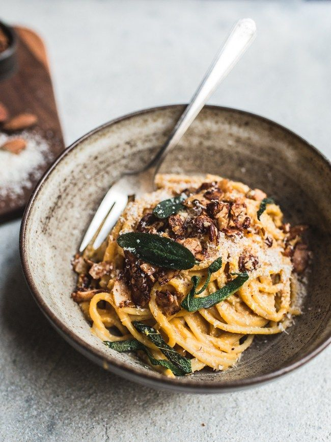 December 14, 2015 By Izy 1 Comment This recipe is my current wintery fave. It's got it all: pasta, creamy sauce, fried sage AND lotsa coconut bacon. The coconut bacon part is kind of the most ...