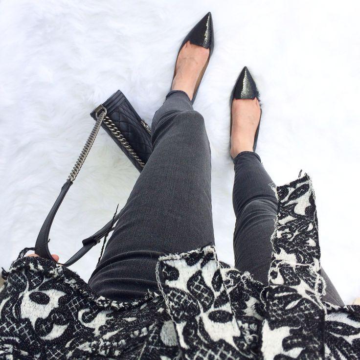 sleek black legs by #jbrand #fwis #skinnyjeans #jimmychoo