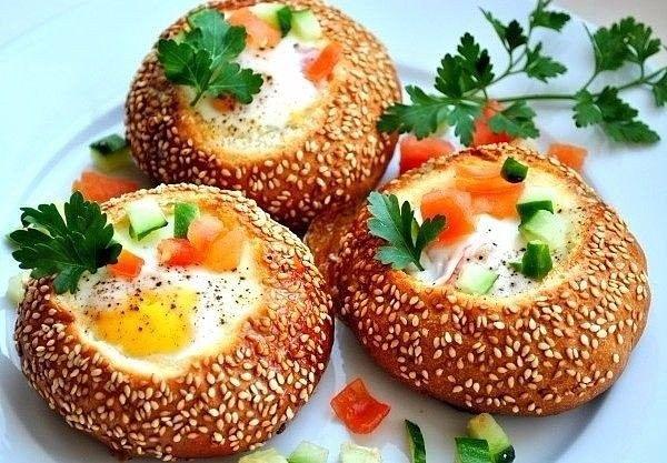 Фаршированные булочки с кунжутом, ссылка на рецепт - https://recase.org/farshirovannye-bulochki-s-kunzhutom/  #Вегетарианскиерецепты #Овощи #Рецептыдлядетей #Рецептыдлядиабетиков #Рецептынаскоруюруку #блюдо #кухня #пища #рецепты #кулинария #еда #блюда #food #cook
